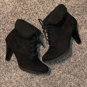White Mt. Ankle Booties Women's Size 6 Black